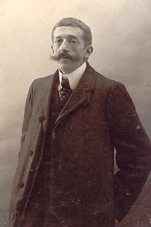 Fotografía a 3/4 de Manuel Martínez de la Escalera, tomada en torno a 1900